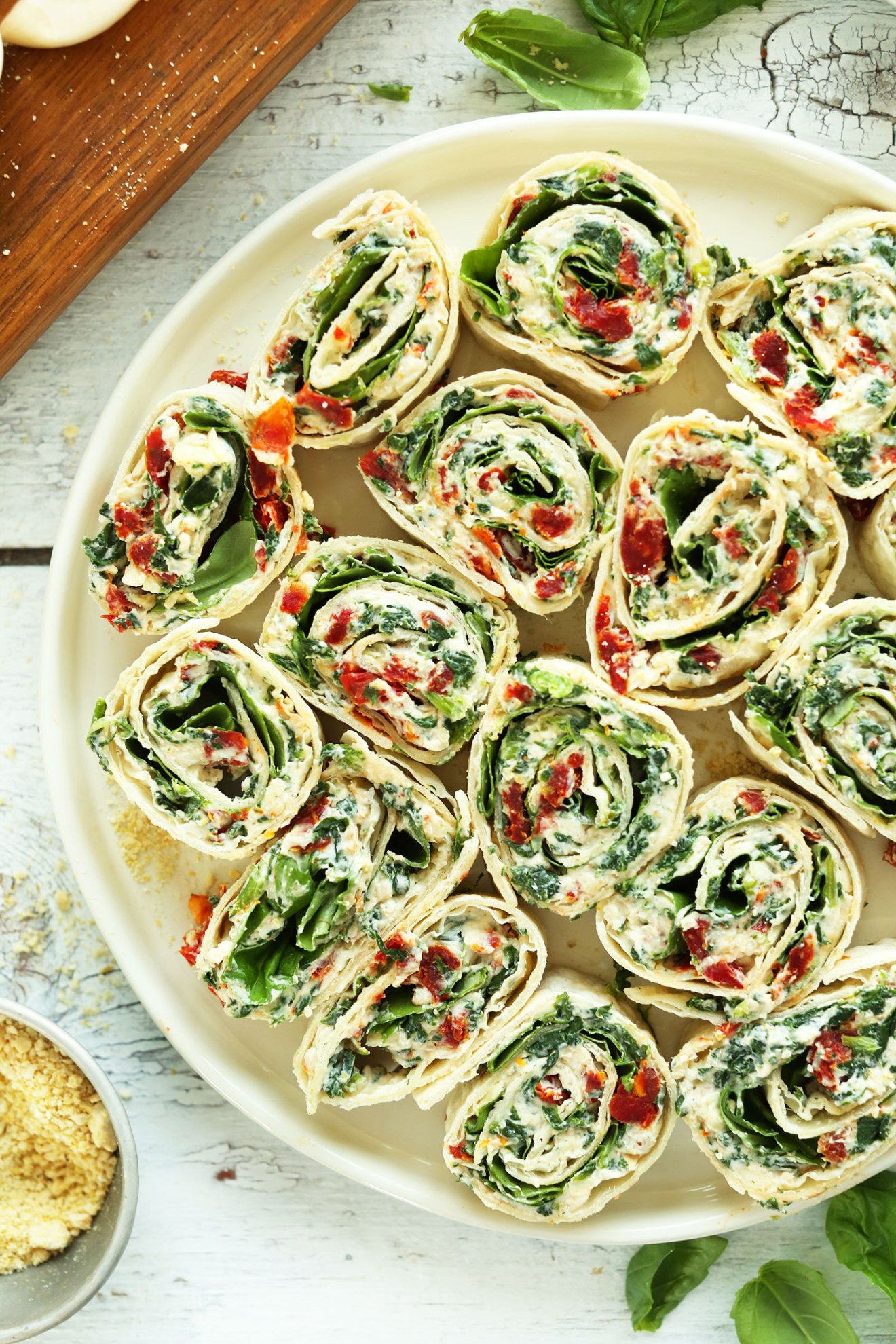 8-ingredient-15-minute-Sun-dried-Tomato-and-Basil-Pinwheels-An-easy-crowd-pleasing-summer-friendly-appetizer-or-snack-vegan-recipe-appetizer